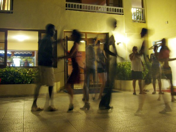 Salsa dancing is definitely an exotic dance form which has held the creativeness of numerous dancing fanatics.